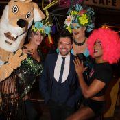 Chris Marques fait la fête avec les drag queen de Priscilla, folle du désert