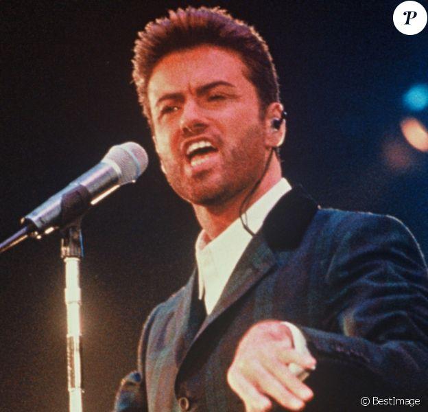 George Michael sur scène en 1998