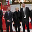 Andrew Sheridan de Toulon, Mathieu Bonello de Castres, la Princesse Charlene de Monaco, Ali Williams et Fernandes Lobbe de Toulon lors du 4ème Challenge Sainte Devote de Rugby au Stade Louis II à Monaco, le 1er février 2014.