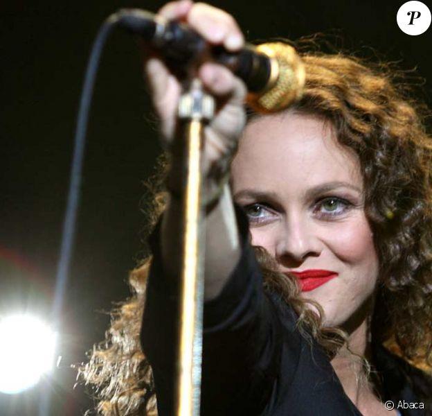 Vanessa Paradis a enregistré un duo avec Albin de la Simone