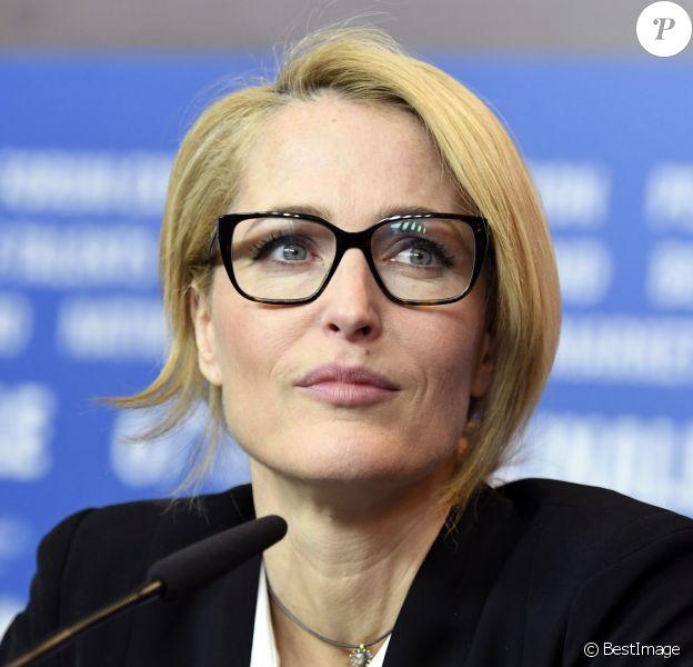 """Gillian Anderson lors de la conférence de presse du film """"Viceroy's House"""" lors 67ème Festival du Film International de Berlin, la Berlinale, le 11 février 2017."""