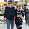 Matt Harvey et sa petite amie Anne Vyalitsyna se baladent avec leur petit chien dans les rues de New York, le 22 septembre 2013