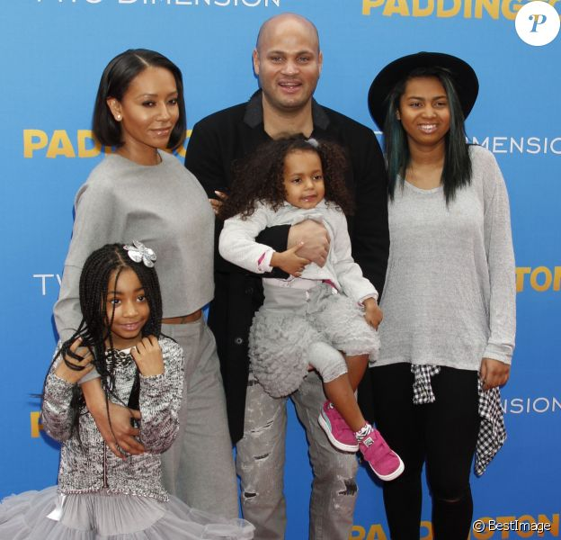 "Melanie Brown (Mel B), son mari Stephen Belafonte et ses enfants Angel, Madison et Phoenix à la Première du film ""Paddington"" au Chinese Theatre à Hollywood. Le 10 janvier 2015"