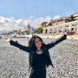 Exclusif - Fabienne Carat souriante sur la promenade des Anglais à Nice le 16 février 2017.