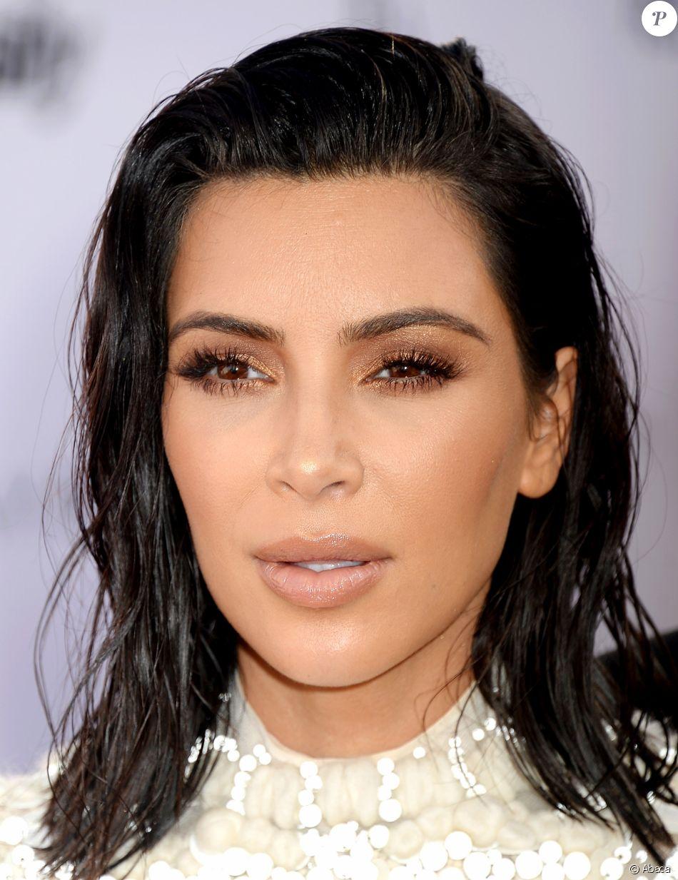 Kim Kardashian à l'évènement des Fashion Los Angeles Awards, organisée le 2 avril 2017.