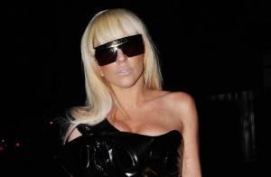 Lady GaGa, un look sexy et au moins aussi déjanté que celui de Katy Perry...