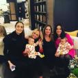 Geri Halliwell lors de sa baby-shower avec Emma Bunton et la femme de Ronnie Wood, Sally Wood, avec leurs jumelles Grace et Alice. Photo publiée sur Instagram le 14 janvier 2017
