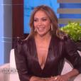 """Jennifer Lopez et Ellen DeGeneres sur le plateau de l'émission """"The Ellen DeGeneres Show"""", épisode diffusé le 24 avril 2017"""