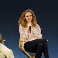 Kwame Ferreira et Lily Cole lors d'une conférence organisée à l'Apple Store de Regent Street à Londres le 25 novembre 2013
