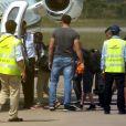 Exclusif - Angelina Jolie prend avec ses enfants Zahara, Shiloh, Pax et Maddox un avion à l'aéroport de Siem Reap, le 11 décembre 2015. Angelina Jolie était au Cambodge pour le tournage de son nouveau film sur les Kherms Rouges.