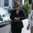 Kim Kardashian est allée déjeuner avec sa mère Kris Jenner, sa soeur Kourtney et sa fille Penelope à Calabasas, le 22 février 2017