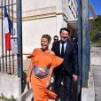 Laura Tenoudji (alias Laura du Web sur France 2), enceinte, et son mari Christian Estrosi se sont rendus en couple dans un bureau de vote le 7 mai 2017 à Nice pour le second tour de l'élection présidentielle de 2017. © Bruno Bebert/Bestimage