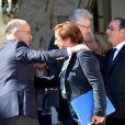 Bernard Cazeneuve et Martine Pinville - Dernier conseil des ministres de la présidence de François Hollande au palais de l'Elysée à Paris. Le 10 mai 2017 © Veeren / Bestimage