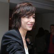 """Charlotte Gainsbourg aura """"de moins en moins de pudeur"""" concernant ses enfants"""