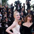 """Elle Fanning et Susan Sarandon - Projection du film """"Les Fantômes d'Ismael"""" et cérémonie d'ouverture du 70e Festival de Cannes au Palais des Festivals. Cannes le 17 mai 2017."""