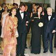 Caroline de Monaco et son mari Ernst August de Hanovre au bal de la Rose en mars 2001 entourés du Prince Rainier et de la Albina de Boisrouvray