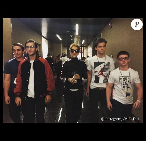 Céline Dion arrive avec son fils René-Charles et des amis aux Billboard Music Awards à Las Vegas, le 21 mai 2017