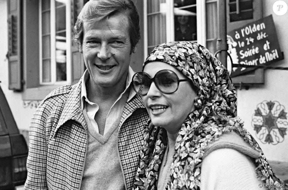 Roger Moore et Luisa Mattioli à Gstaad en 1981.