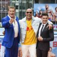 David Hasselhoff, Dwayne Johnson et Zac Efron - Photocall de 'Baywatch' au Sony Center à Berlin, le 30 mai 2017