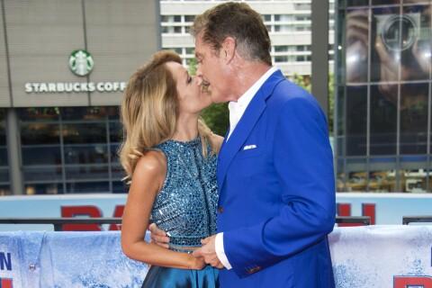 David Hasselhoff : Baisers langoureux avec sa jeune fiancée et red carpet enjoué