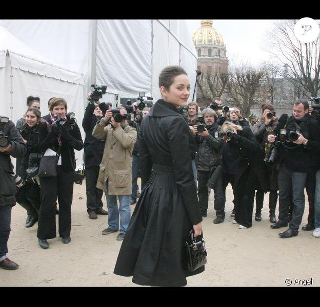 Marion Cotillard, une véritable étoile au défilé Dior Haute Couture aujourd'hui au musée Rodin à Paris