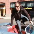 Chris Cornell avec sa Porsche à Beverly Hills le 10 février 2016. Deux semaines après sa mort le 18 mai 2017 à Détroit, le rapport d'analyses toxicologiques a révélé que le rockeur de Soundgarden et Audioslave avait plusieurs substances médicamenteuses dans l'organisme. © CPA/Bestimage