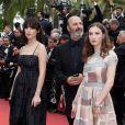 """Cédric Klapisch et sa fille Thaïs (à droite) et son amie  Angelina Woreth  - Montée des marches du film """"Ma Loute"""" lors du 69ème Festival International du Film de Cannes. Le 13 mai 2016. © Borde-Jacovides-Moreau/Bestimage"""