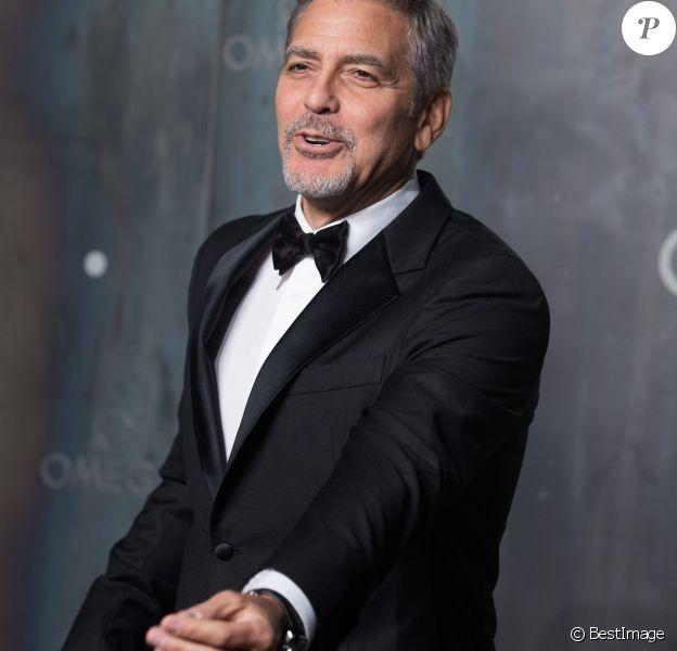 """George Clooney à la soirée Omega """"Lost in Space"""" pour fêter les 60 ans de la montre Speedmaster au Tate Modern à Londres, le 26 avril 2017."""