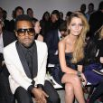 Mischa Barton a brillé hier au défilé Elie Saab au côté de Kanye West