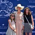 Géraldine Maillet et ses filles - 168e Prix de Diane Longines à l'hippodrome de Chantilly, France, le 18 juin 2017. © Giancarlo Gorassini/Bestimage
