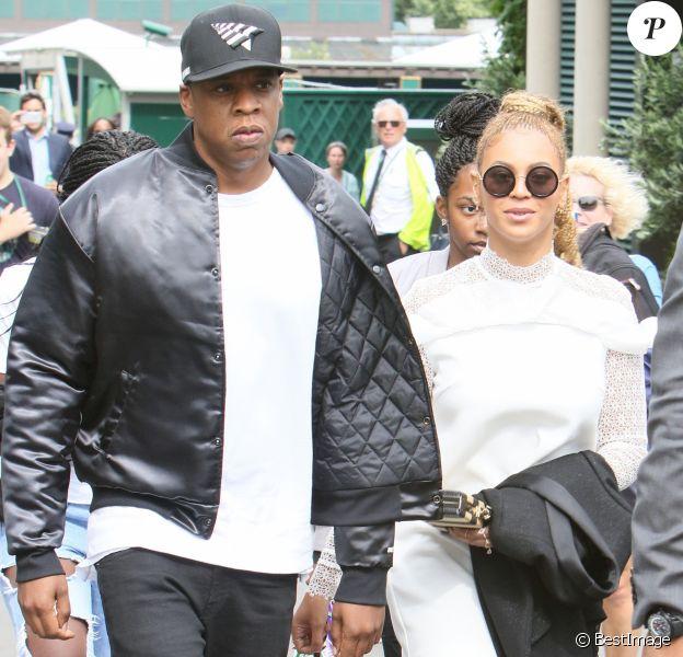 Beyoncé et son mari Jay Z quittent Wimbledon après la finale femme remportée par Serena Williams à Londres le 9 juillet 2016.