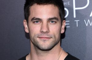 Fifty Shades Freed : Le beau Brant Daugherty dévoile ses énormes muscles