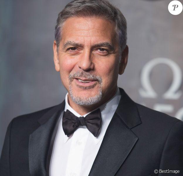 """George Clooney à la soirée Omega """"Lost in Space"""" pour fêter les 60 ans de la montre Speedmaster au Tate Modern à Londres, le 26 avril 2017"""