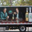 Exclusif - George Clooney et Rande Gerber posent sur l'affiche officielle de la Tequila Casamigos, la Tequila qu'il a créée avec son ami Rande Gerber le 16 juin 2015