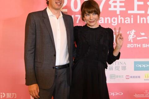Milla Jovovich, totalement amoureuse et pétillante devant Isabelle Huppert