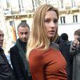 """Ilona Smet arrive au défilé de mode """"Balmain"""", collection prêt-à-porter Automne-Hiver 2017-2018 à l'Hôtel Potocki à Paris, le 2 Mars 2017.© CVS/Veeren/Bestimage"""