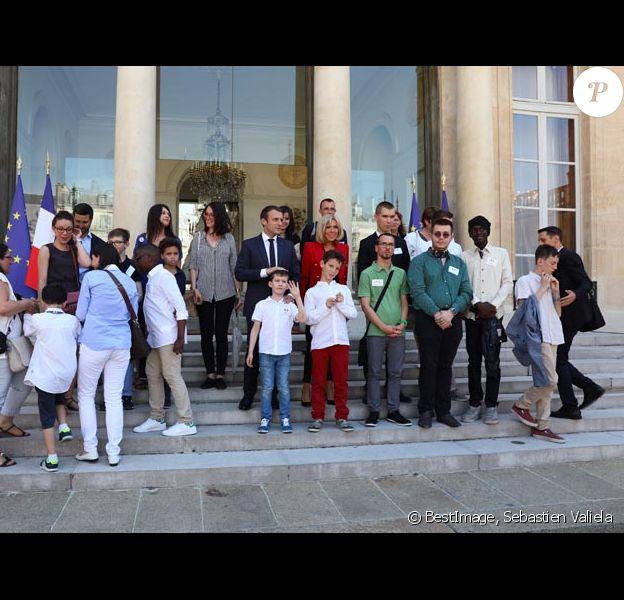 Le président de la République française Emmanuel Macron et son épouse Brigitte Macron lors du lancement de la concertation autour du 4ème plan autisme au palais de l'Elysée à Paris, le 6 juillet 2017. Sebastien Valiela/Bestimage