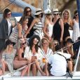 Exclusif - Julianne Hough fête son enterrement de vie de jeune fille avec des amies sur un magnifique yacht dans le golfe du Mexique. Le 4 mars 2017.