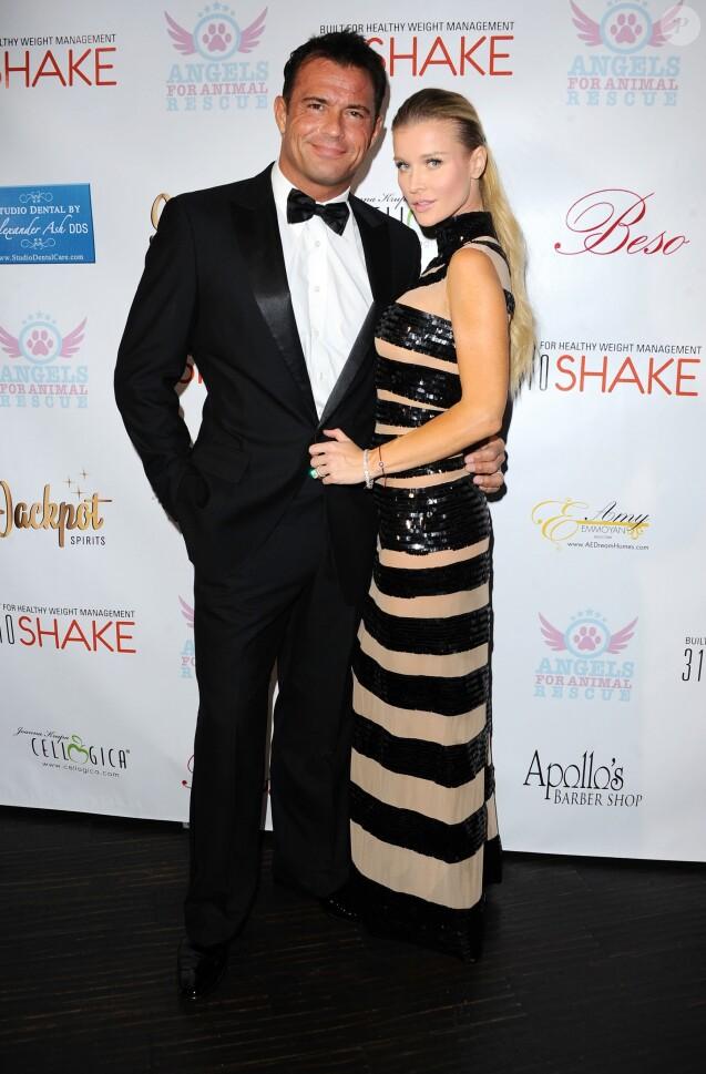 Joanna Krupa et Romain Zago à Los Angeles, le 26 avril 2015.
