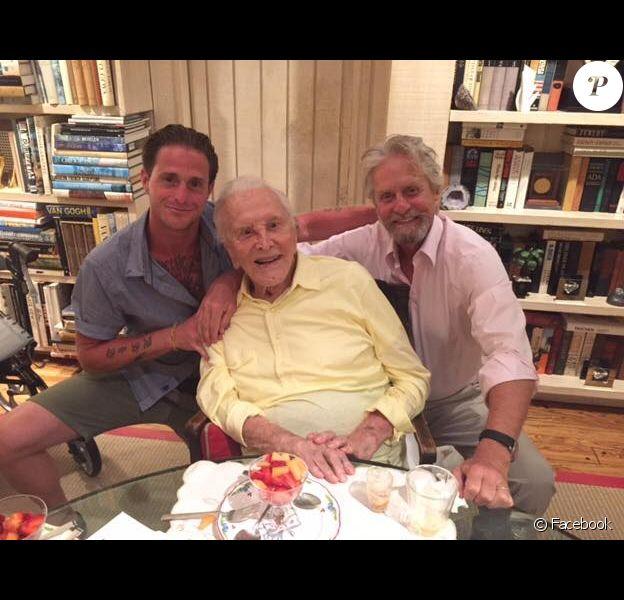 Cameron, Kirk et Michael Douglas réunis pour la première fois depuis plusieurs années, photo publiée le 12 juillet 2017