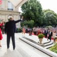 Le président Donald J. Trump et sa femme Melania Trump arrivent à l'ambassade américaine où ils ont rencontré des vétérans de la première guerre mondiale et les militaires qui ont participé au défilé du 14 julllet à l'occasion de leur visite en France à Paris le 13 juillet 2017