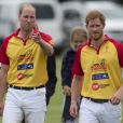 """Le prince William et le prince Harry au tournoi de polo """"The Jerudong Park Trophy"""" au club de Cirencester le 15 juillet 2017"""