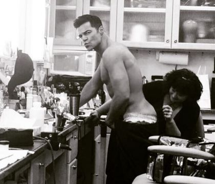 Ricky Martin : Les fesses à l'air devant Penélope Cruz, qui immortalise...