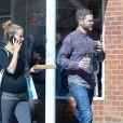 Shawn Ashmore et sa femme Dana Wasfin, enceinte, se promènent à Beverly Hills. Los Angeles, le 19 avril 2017