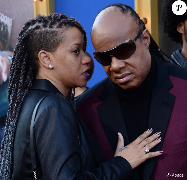 "Stevie Wonder et Tomeeka Robyn Bracy à la première du film d'animation ""Sing"" au Microsoft Theater à Los Angeles le 3 décembre 2016"