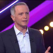 Samuel Etienne met ses mains sur les fesses d'une candidate... Oups !