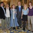 Claude Rich fait commandeur de la Légion d'honneur en 2011 et entouré de sa famille