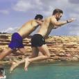 David Guetta et son ami Cedric Gervais lors de leurs vacances à Ibiza le 26 juillet 2017