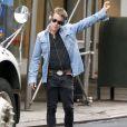Exclusif - Macaulay Culkin hèle un taxi à New York le 6 juin 2017.