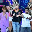 """Exclusif - La chanteuse Tal, Christophe Willem et Lisandro Cuxi - Emission """"La chanson de l'année fête la musique"""" dans les arènes de Nîmes, diffusée en direct sur TF1 le 17 juin 2017."""